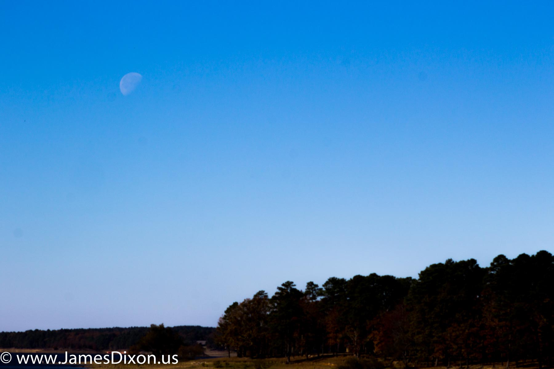moon-over-degray-lake-november-2016-3504
